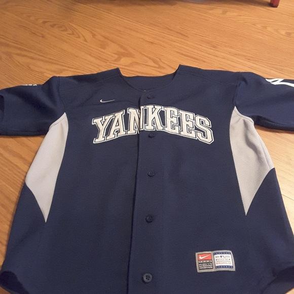 uk availability 9fe9a a8e95 NY Yankees Derek Jeter #2 jersey shirt size M navy